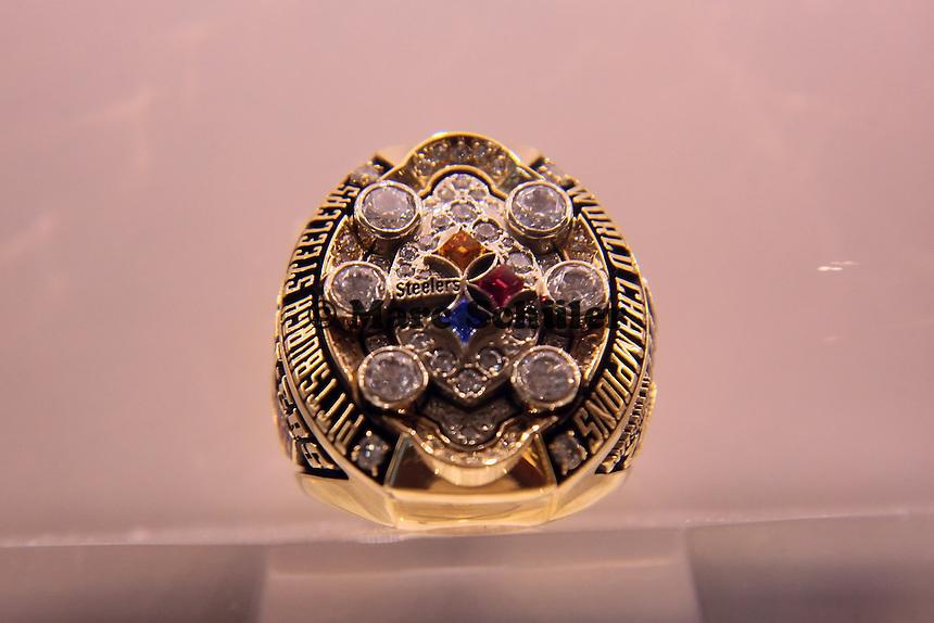 Super Bowl Ringe der einzelnen Siegerteams: XLIII Pittsburgh Steelers 2008