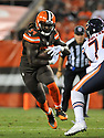 CLEVELAND, OH - SEPTEMBER 1, 2016: Running back Isaiah Crowell #34 of the Cleveland Browns carries the ball in the first quarter of a game on September 1, 2016 against the Chicago Bears at FirstEnergy Stadium in Cleveland, Ohio. Chicago won 21-7. (Photo by: 2016 Nick Cammett/Diamond Images)  *** Local Caption *** Isaiah Crowell