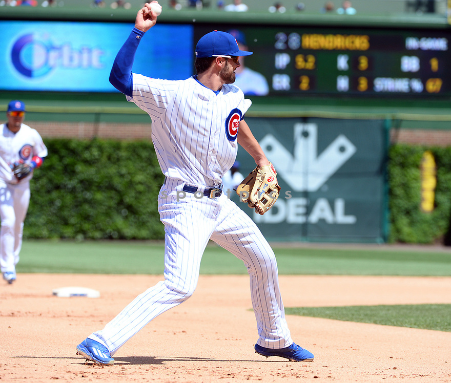 Chicago Cubs Kris Bryant (17) during a game against the Los Angeles Dodgers on June 2, 2016 at Wrigley Field in Chicago, IL. The Cubs beat the Dodgers 7-2.