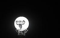 21st Wacken Open Air WOA  (5.8. - 7.8.2010) in Wacken (Germany , Schleswig-Holstein) - nearly 85000 metalheads celebrate their Mekka of metal - in picture: the Wacken moon - a light ballon with the logo/ label printed on it // im Bild: der Wacken Mond - ein Beleuchtungsballon, mit dem Wacken Embleme aufgedruckt im nächtlichen Himmel. Foto: Norman Rembarz..Norman Rembarz , Autorennummer 41043728 , Augustenstr. 2, 04317 Leipzig, Tel.: 01794887569, Hypovereinsbank: BLZ: 86020086, KN: 357889472, St.Nr.: 231/261/06432 - Jegliche kommerzielle Nutzung ist honorar- und mehrwertsteuerpflichtig! Persönlichkeitsrechte sind zu wahren. Es wird keine Haftung übernommen bei Verletzung von Rechten Dritter. Autoren-Nennung gem. §13 UrhGes. wird verlangt. Weitergabe an Dritte nur nach  vorheriger Absprache..