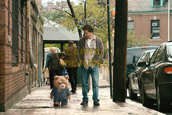 Ted (voice of Seth MacFarlane) & Mark Wahlberg.in Ted (2012) .*Filmstill - Editorial Use Only*.CAP/FB.Supplied by Capital Pictures.