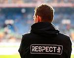Nederland, Amsterdam, 8 december 2012.Eredivisie.Seizoen 2012-2013.Ajax-FC Groningen.De vierde official draagt kleding met de opdruk RESPECT
