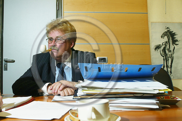 BRUSSELS - BELGIUM - 18 OCTOBER 2005 -- German MEP Elmar BROK, Chair of the EP Foreign Committee.  PHOTO: ERIK LUNTANG / EUP-IMAGES..