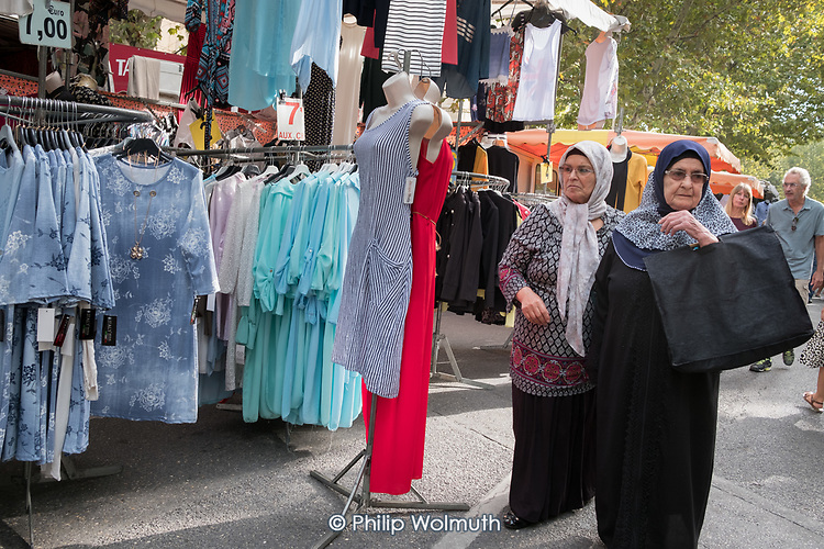 Weekly street market in Arles, France.