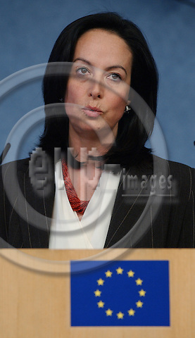 Brussels-Belgium - November 05, 2003---Anna DIAMANTOPOULOU (Greece), as EU-Commissioner in charge of Employment and Social affairs, during a press briefing in the press room of the 'Breydel', Headquarters of the Commission of the European Union in Brussels---Photo: Horst Wagner/eup-images