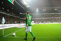 FUSSBALL   1. BUNDESLIGA    SAISON 2012/2013    17. Spieltag   SV Werder Bremen - 1. FC Nuernberg                     16.12.2012 Aaron Hunt (SV Werder Bremen) macht beim Eckball