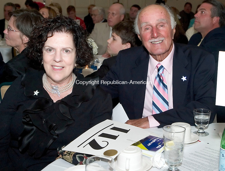 GOSHEN, CT -10 JUNE 06- 061106JT14-<br /> Donors Anne and Max Borghesi at the Warner Theater's Eighth Annual Spring Fling Gala Auction at the Torrington Country Club on Saturday, June 10.<br /> Josalee Thrift Republican-American