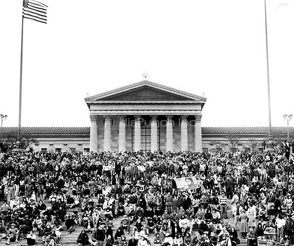 A memorial for John Lennon at the Art Museum in Philadelphia on 14th December 1980.<br /> <br /> &copy;Scott Weiner/ MediaPunch