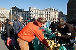 20080202 - France - Aquitaine - Bordeaux<br /> LE MARCHE SAINT-MICHEL, PLACE SAINT-MICHEL A BORDEAUX.<br /> Ref : MARCHE_001.jpg - © Philippe Noisette.