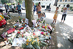 Amy Winehouse home  Saturday 30.7.11..Flowers from well wishers..Flowers have been removed from outside the house but many still lay them across the road. ...pic by Gavin Rodgers/ Pixel 8000.07917221968