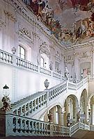 Wurzburg: Wurzburg Palace. Stairway. Das Treppenhaus vom Mittelpodest aufgenommen.