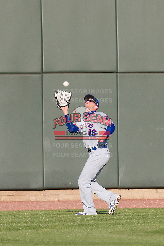 South Bend Cubs outfielder Donnie Dewees (16) makes a catch against the Great Lakes Loons on May 18, 2016 at Dow Diamond in Midland, Michigan. Great Lakes defeated South Bend 5-4. (Andrew Woolley/Four Seam Images)