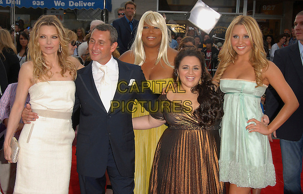 "MICHELLE PFEIFFER, ADAM SHANKMAN, QUEEN LATIFAH , NIKKI BLONSKI & AMANDA BYNES.At The Newline Cinemas' L.A. Premiere of ""Hairspray"" held at The Mann Village Theatre in Westwood, California, USA, July 10,2007                                                              half length cast.CAP/DVS.©Debbie VanStory/Capital Pictures"
