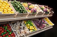 Nederland - Amsterdam - Januari 2019.  HORECAVA. Kistjes met diverse groenten en fruit waaronder gekleurde bloemkolen van Rungis.  Foto Berlinda van Dam / Hollandse Hoogte