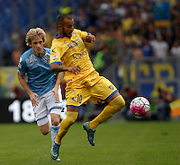 Calcio, Serie A: Lazio vs Frosinone. Roma, stadio Olimpico, 4 ottobre 2015.<br /> Frosinone's Danilo Soddimo, right, is chased by Lazio's Dusan Basta during the Italian Serie A football match between Lazio and Frosinone at Rome's Olympic stadium, 4 October 2015.<br /> UPDATE IMAGES PRESS/Isabella Bonotto