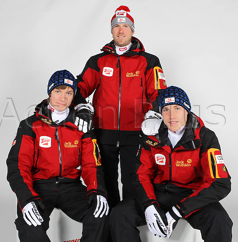 16.10.2010  Winter sports OSV Einkleidung Innsbruck Austria. Ski Nordic Nordic Combination OSV Austrian Ski Federation. Picture shows Martin Fritz team manager Michael Angermann and Markus Gruber Keywords Group photo