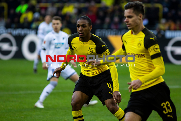 09.02.2019, Signal Iduna Park, Dortmund, GER, 1.FBL, Borussia Dortmund vs TSG 1899 Hoffenheim, DFL REGULATIONS PROHIBIT ANY USE OF PHOTOGRAPHS AS IMAGE SEQUENCES AND/OR QUASI-VIDEO<br /> <br /> im Bild | picture shows:<br /> (vl) Abdou Diallo (Borussia Dortmund #4) mit Julian Weigl (Borussia Dortmund #33),  <br /> <br /> Foto © nordphoto / Rauch