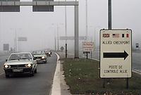 - the Berlin Wall at the border crossing Checkpoint Alfa, on the highway....- il Muro di Berlino al passaggio di frontiera Checkpoint Alfa, sull'autostrada