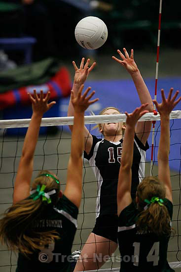 Layton Christian defeats South Summit High School for the 2a volleyball state championship Friday, October 30 2009 at Utah Valley University.