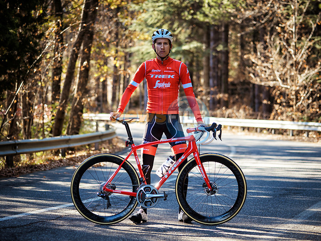 Bauke Mollema (NED) shows off Trek-Segafredo's new race and training kits for the 2018 season today. The new pinstriped kits in red and high vis green were revealed at JSH Il Picciolo Etna Golf Resort in Sicily at the team&rsquo;s Media Day. Sicily, Italy 14th December 2017.<br /> Picture: Trek Factory Racing | Cyclefile<br /> <br /> <br /> All photos usage must carry mandatory copyright credit (&copy; Cyclefile | Trek Factory Racing)