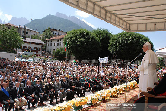 Pope Benedict XVI greets faithful upon his arrival for the traditional Angelus prayer in Lorenzago di Cadore, near Belluno, Italy, Sunday, July 22, 2007.