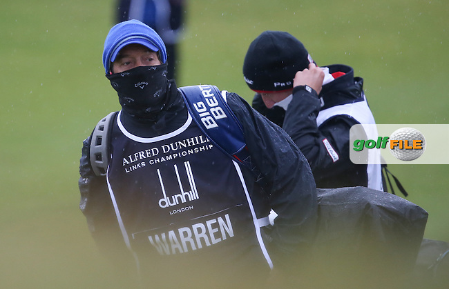 Ken Herring behind the facescarf during R3 at Kingsbarns of the 2014 Alfred Dunhill Links Championship, The Old Course, St Andrews, Fife, Scotland. Picture:  David Lloyd / www.golffile.ie