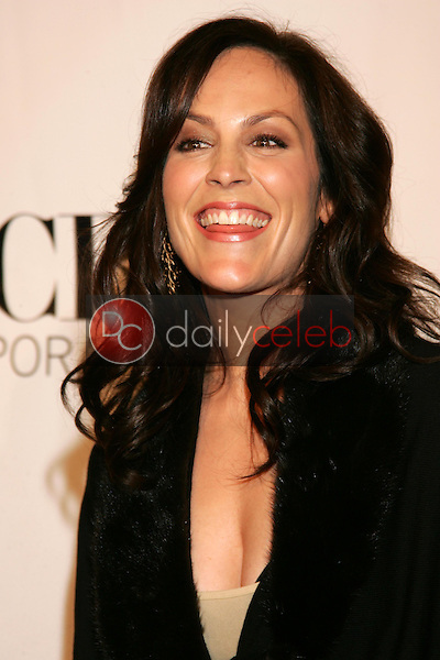 Annabeth Gish<br />