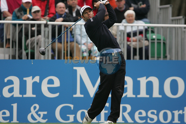Overnight leader Bradley Dredge tees off on the 1st hole during the final round of the 2008 Irish Open at Adare Manor Golf Resort, Adare,Co.Limerick, Ireland 18th May 2008 (Photo by Eoin Clarke/GOLFFILE)