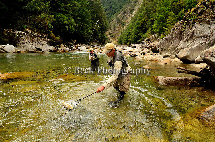 FLY FISHING SOUTH ISLAND OF NEW ZEALAND