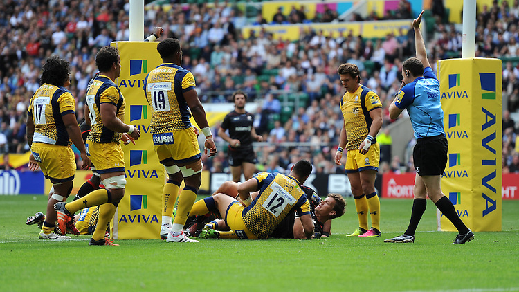 Schalk Burger of Saracens scores a try on his debut during the Aviva Premiership Rugby match between Saracens and Worcester Warriors at Twickenham Stadium on Saturday 03 September 2016 (Photo by Rob Munro/Stewart Communications)