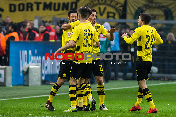 25.02.2017, Signal Iduna Park, Dortmund, GER, 1.FBL, Borussia Dortmund vs FC Schalke 04, <br /> <br /> im Bild | picture shows<br /> Nuri Sahin (Borussia Dortmund #8) jubelt mit Sokratis (Borussia Dortmund #25), Julian Weigl (Borussia Dortmund #33) und Christian Pulisic (Borussia Dortmund #22) &uuml;ber seinen Treffer, <br /> <br /> Foto &copy; nordphoto / Rauch