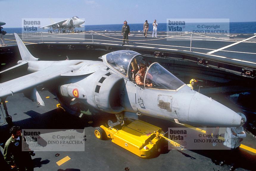- vertical take-off aircrafts AV-8 &quot;Harrier- Matador&quot; on the aircraft carrier Principe de Asturias<br /> <br /> - aerei a decollo verticale AV-8 &quot;Harrier - Matador&quot; a bordo della portaerei Principe de Asturias