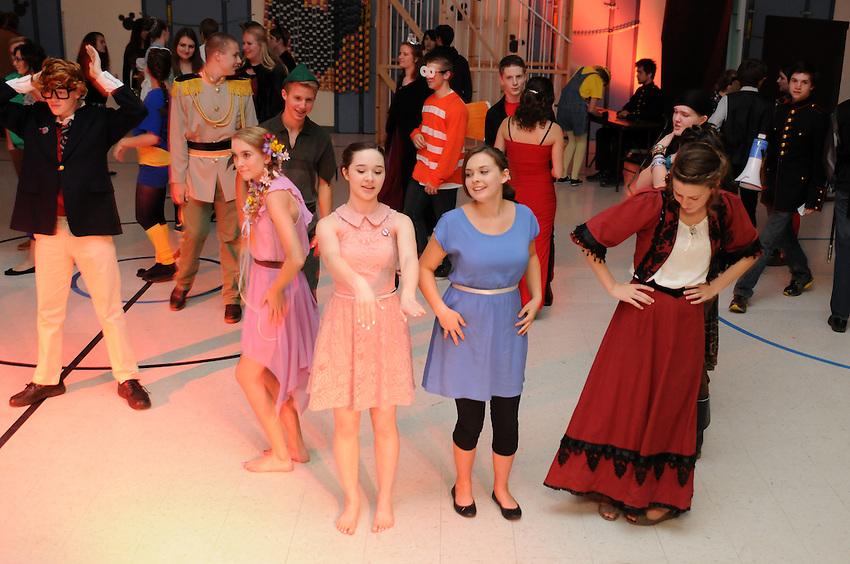 2013 Sadie Hawkins Dance at Charter University Prep, El Dorado, California, Friday, November 15, 2013. (photo by Pico van Houtryve)