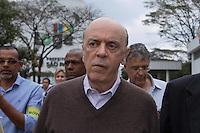 SAO PAULO, SP, 03 DE SETEMBRO 2012 - CAMPANHA ELEITORAL - CANDIDATO JOSE SERRA - Na tarde desta segunda-feira (03), o candidato do PSDB a prefeitura Jose Serra visita a Estação de Transborno Ponte Pequena na Av. Do Estado, 300 Bom Retiro região central de São Paulo.  (FOTO: AMAURI NEHN / BRAZIL PHOTO PRESS).