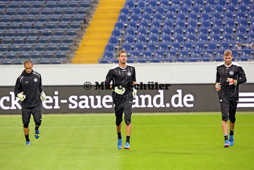 Aykut Özer, Kevin Trapp und Felix Wiedwald (Eintracht) - Eintracht Europa League Training