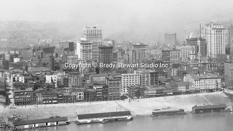 Pittsburgh PA - View of the city of Pittsburgh from Mt Washington - 1905.  View of the Pittsburgh skyline, featuring the Henry Oliver, Arrott and Frick buildings.  View of water street and the docks on the Monongahela Wharf