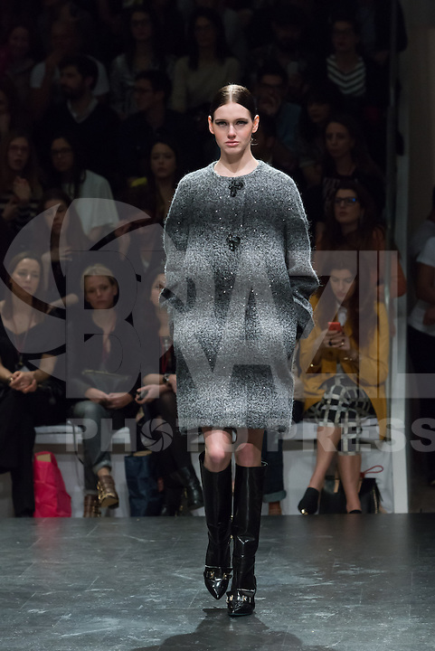 LISBOA, PORTUGAL, 09.03.2014 - LISBOA FASHION WEEK - MIGUEL VIEIRA - Modelo durante desfile da grife MIGUEL VIEIRA no Lisboa Fashion Week no Pátio da Galé em Lisboa capital de Portugal, nesse domingo, 09. (Foto: Bruno Pereira / Brazil Photo Press).