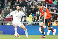 Real Madrid's Isco (l) and Real Sociedad's Gorka Elustondo during La Liga match.January 31,2015. (ALTERPHOTOS/Acero) /NortePhoto<br />