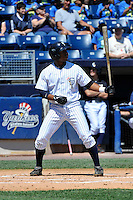 Staten Island Yankees second baseman Angelo Gumbs #21 during a game against the State College Spikes at Richmond County Bank Ballpark at St. George on July 14, 2011 in Staten Island, NY.  Staten Island defeated State College 6-4.  Tomasso DeRosa/Four Seam Images