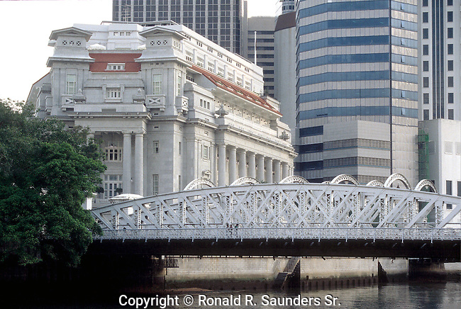 ANDERSON BRIDGE AND FULLERTON HOTEL SINGAPORE