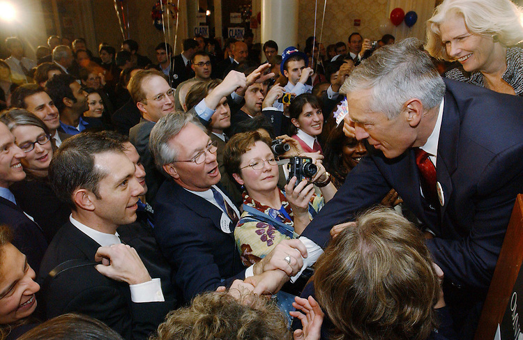 """10/29/03.""""C COMPANY"""" RECEPTION FOR WESLEY CLARK--Democratic presidential candidate Wesley K. Clark, a retired general from Arkansas, shakes greets the crowd during a """"low-dollar"""" fundraising event, at the Omni Shoreham Hotel in Washington, D.C. The event, organized by young professional supporters, was attended by several hundred donors. .CONGRESSIONAL QUARTERLY PHOTO BY SCOTT J. FERRELL"""