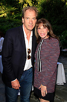 LOS ANGELES - APR 9: Julian Sands, Kate Linder at The Actors Fund's Edwin Forrest Day Party and to commemorate Shakespeare's 453rd birthday at a private residence on April 9, 2017 in Los Angeles, California