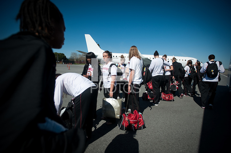 SAN JOSE, CA - MARCH 31, 2011: Stanford Women's Basketball, NCAA Final Four departure at the San Jose International Airport on March 31, 2011.