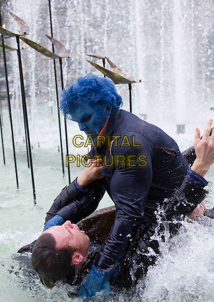 Michael Fassbender, Nicholas Hoult<br /> in X-Men: Days of Future Past (2014) <br /> *Filmstill - Editorial Use Only*<br /> CAP/NFS<br /> Image supplied by Capital Pictures
