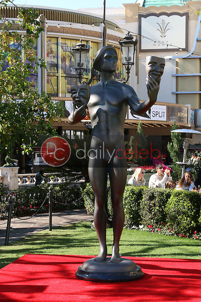 Jason George, Angela Sarafyan, Matthew Modine<br /> at the Greet the Actor Statue - SAG Event, The Grove, Los Angeles, CA 01-25-17<br /> David Edwards/DailyCeleb.com 818-249-4998