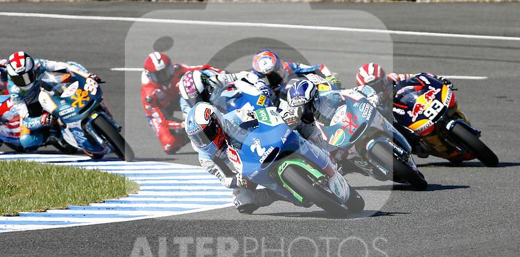 MOTOCICLISMO - G.P. ESPAÑA - JEREZ DE LA FRONTERA - 2/5/2010 - 125 - EFREN VAZQUEZ - PRIMERA CURVA