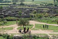 UGANDA Karamoja, village Nakapelimoru of Jhi tribe of Karimojong / UGANDA Karamoja , Volk der Karimojong , Dorf Nakapelimoru  der Jhi