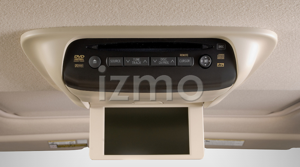 Rear passenger DVD entertainment console of Toyota Highlander Hybrid 2006