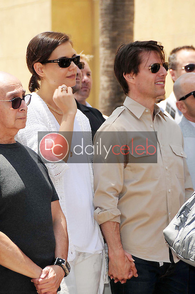 Katie Holmes and Tom Cruise<br />at the Ceremony honoring Cameron Diaz with a Star on the Hollywood Walk of Fame. Hollywood Boulevard, Hollywood, CA. 06-22-09<br />Dave Edwards/DailyCeleb.com 818-249-4998