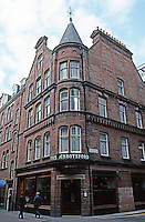 Edinburgh: The Abbotsford Pub, opened in 1901. Designed by brewery architect Peter Lyle Henderson . East end of Rose St. Photo '90.